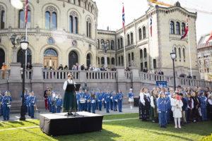 Stortingspresident Tone Wilhelmsen Trøen holder 17. mai-tale på Eidsvolls plass.